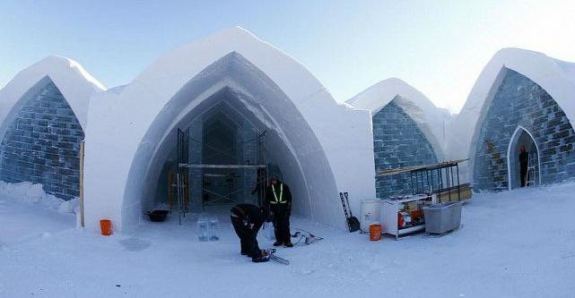 canada r ouverture de l 39 h tel de glace qu bec pichon voyageur. Black Bedroom Furniture Sets. Home Design Ideas