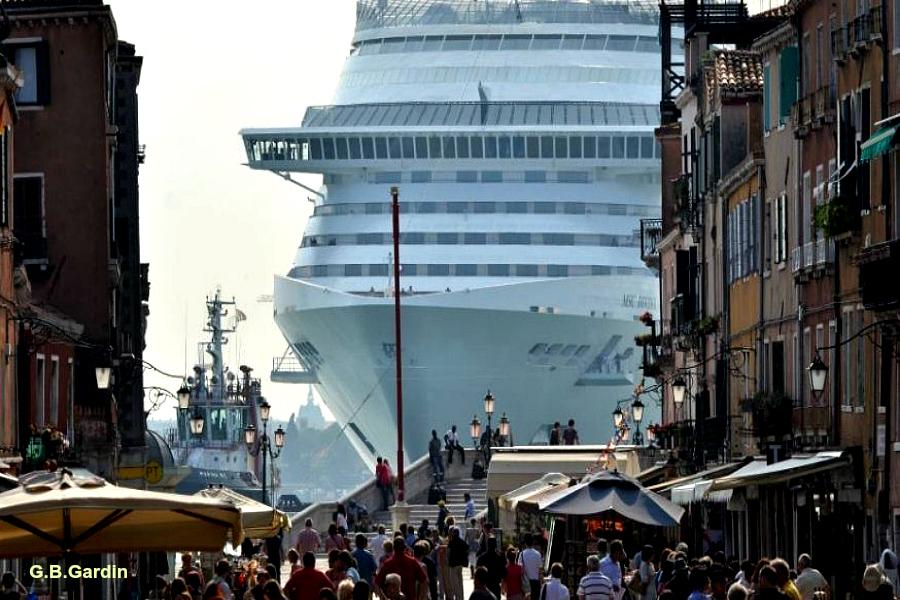 Nuisances du tourisme de masse